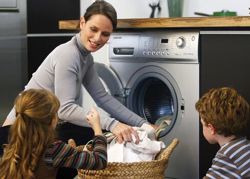 """别让洗衣机""""藏污纳垢""""久不清洗易引发皮肤病"""